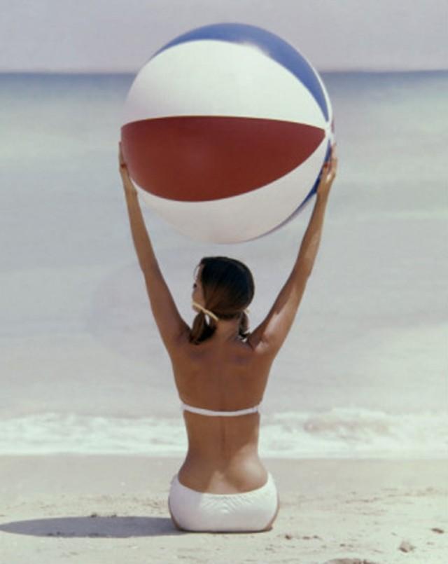 beachballbabe-814x1024